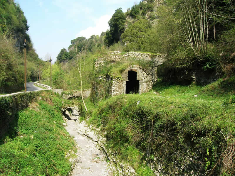 Valley of the mills: Amalfi tour guide